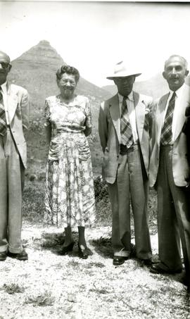 "Milner and Abrahams Family, ""Ceocolan Connel, Annie Blumgart, Granny Jack Abe Lewis"""