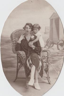 "Schamroth and Taub Families, ""Dora Schamroth and her son Leo Schamroth"""